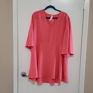 MELISSA McCarthy  Pink blouse 2X